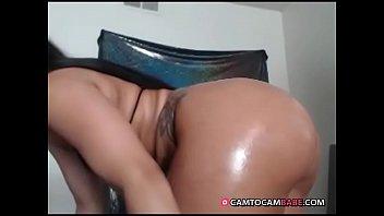 Ebony oils her fat ass live show on webcam xxx