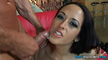 Facialized milf spitroasted by two lucky fellows