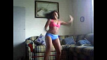 Latina Amateur Booty Shaking - spankbang.org