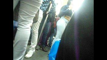 MORENA TESUDA GOSTOSA RABUDA!perfeita jeans socado trem