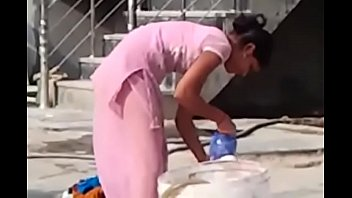 indian desi hor randi village schoolgirl washing www.xnidhicam.blogspot.com