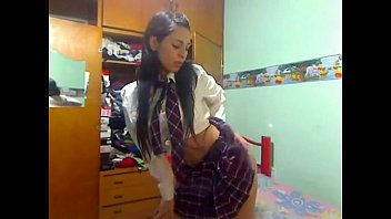 chivy melendez bailando de escolar chica.