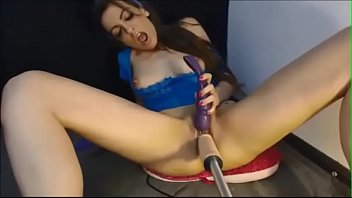 Brunette babe fucked by machine and dildo on webcam -CAMS999.COM-