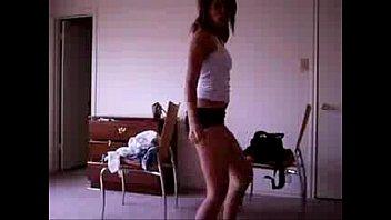 Sexy Dancing Latina Babe - spankbang.org