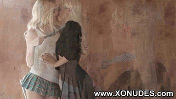 2 blonde lesbian teen girls kissing