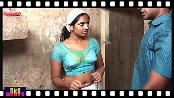 Mallu hot deep Navel Show