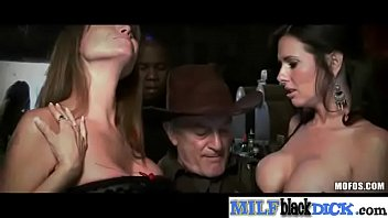 Gorgeous Milf (darla veronica) In Hard Sex Bang With Big Black Dick Stud vid-10
