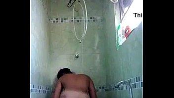 Morena Gostosa no banho