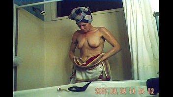melissa takes a bathtub