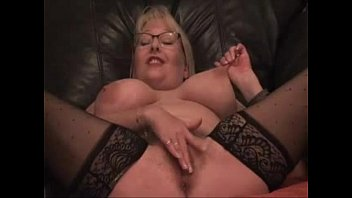 thick melons splooging cougar on cam - check.