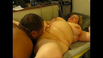 plus-size humps ebony dude on web.