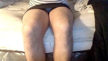 negra minifalda maduritas bajo falda