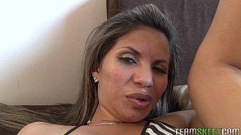 oyeloca torrid diminutive boobies latina amanda.