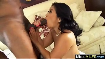 (lucky starr) Mature Lady Busy In Mixt Sex Act On Mamba Black Dick vid-15