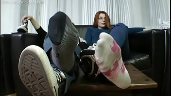 Cams4free.net - Two Nerdy Girl'_s Sexy Soles