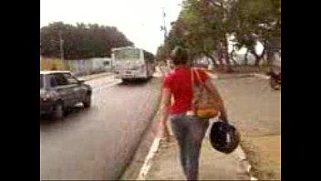 gostosa andando na rua em maceioacute_