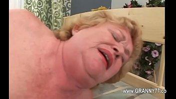 1-Super granny love deep penetrate -2016-04-19-02-26-044