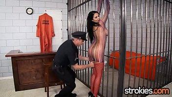 Big Tit Latina Missy Martinez gives Handjob Release