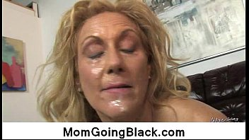eyeing-my-mummy-going-ebony-interracial-sex4 01