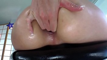 Asian ladyboy tranny ass fucking herself