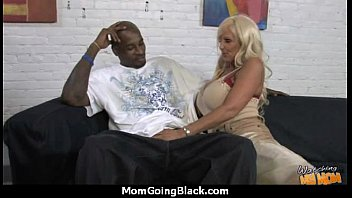 seeing my mommy get humped by fat ebony.