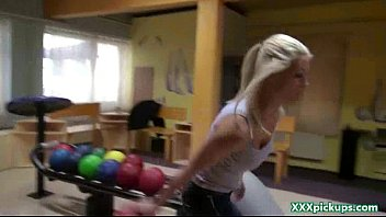 Amateur college girls party hardcore in public 07
