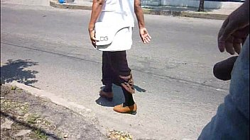 sacando mi verga en la calle