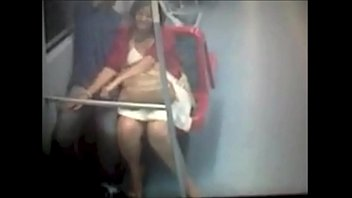 Sexo en vagon Linea 4 A Metro de Santiago, Chile