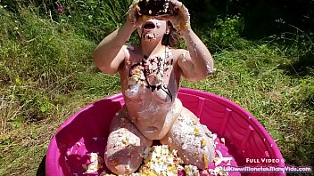 muddy bday sploshing - witness me glaze my.