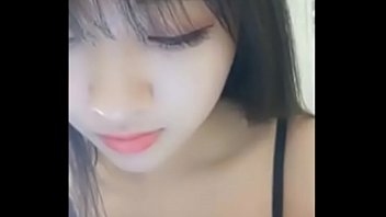 Beautiful Chinese Girl Show CAM with Boy Friend !