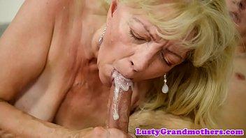 saggytit granny nailed vigorously