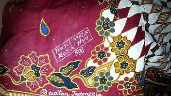 spunk on aunty039_s lungi textil motif batik ayu 526