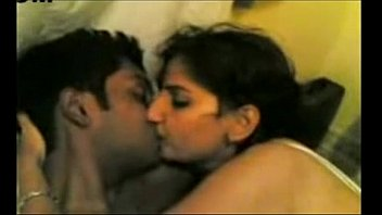 Indian Young Hot Video Of Indian Couple Having Oral Sex - Wowmoyback