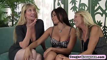 cougargroupsex-twenty-one-2-217-trio-stacked-mummies-want-to-prove-themselves-the-thickest-tart-hd-1
