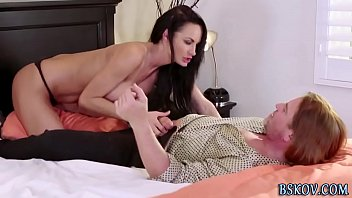 Pornstar sucks big cock