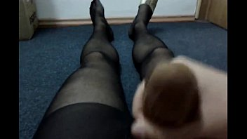962562 jizzing with nylon sock in.