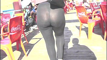 culo mind-blowing cougar in the street with semitransparent legging
