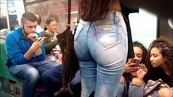 Gostosa 405- Delicia rabuda no metro