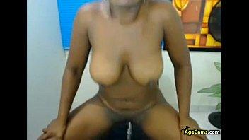 Black-latina MILF Playing with Dildo Webcam Porn